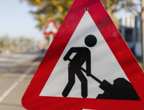 Asfaltreparatie op de kruising Grathemerweg-Ellerweg in Kelpen-Oler